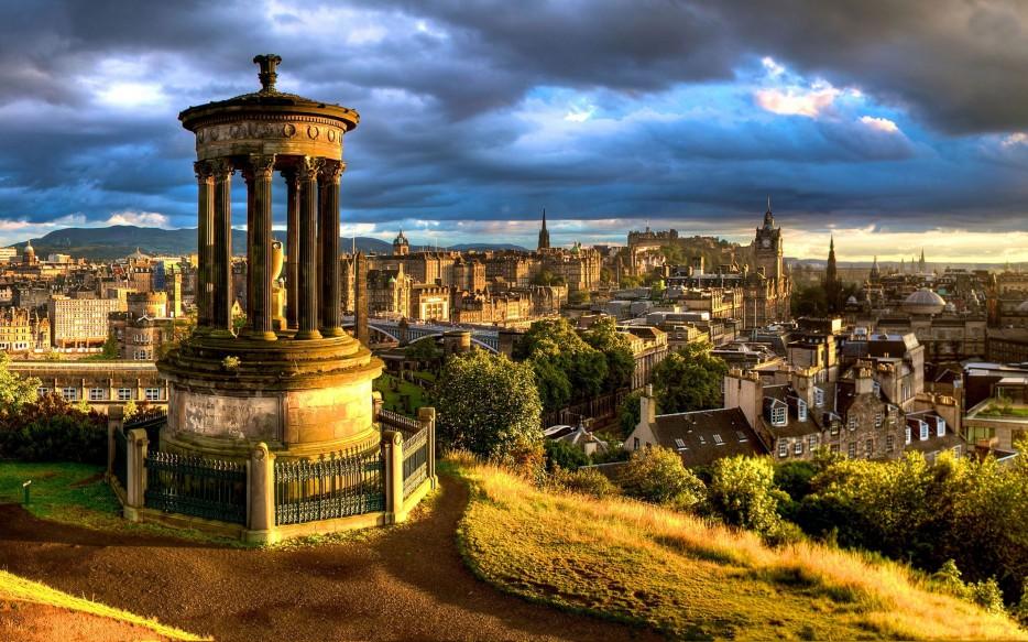 Dugald-Stewart-Monument-Edinburgh-Scotland-2-1-934x