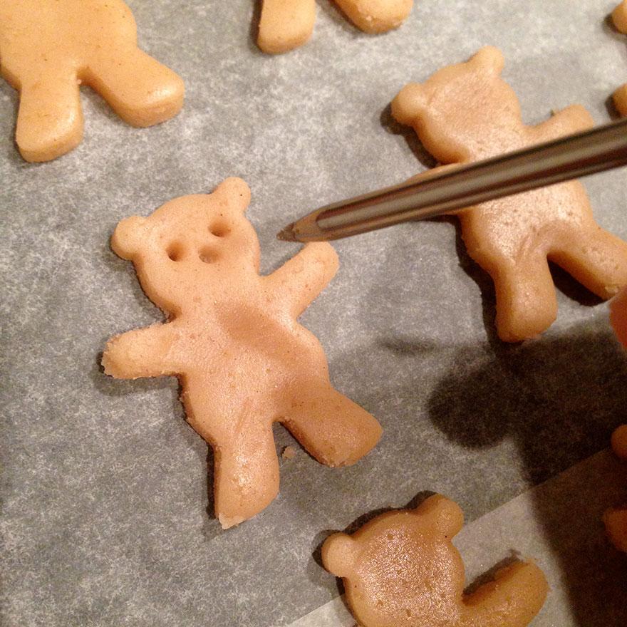 cute-hugging-bear-cookies-maa-tamagosan-3