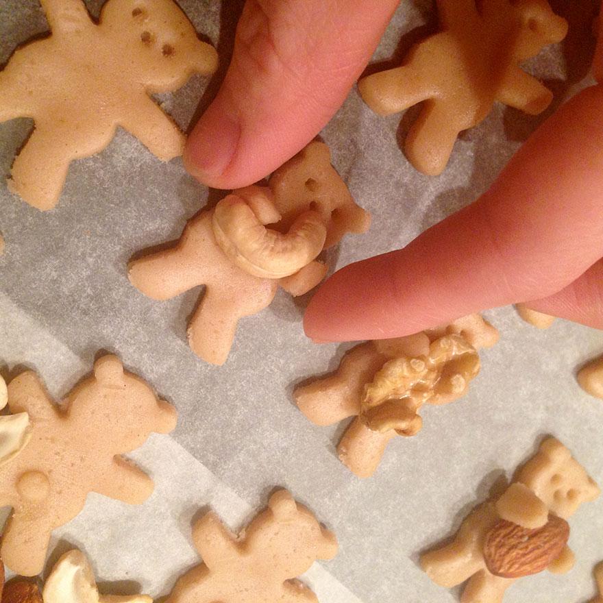 cute-hugging-bear-cookies-maa-tamagosan-8